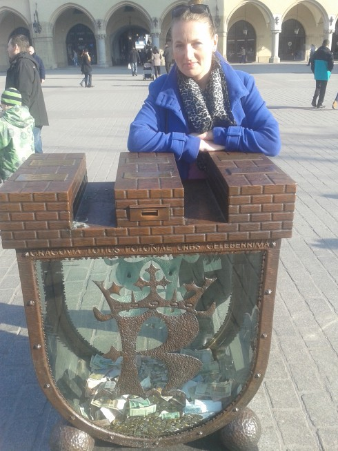 Skarbonka na krakowskim Rynku.